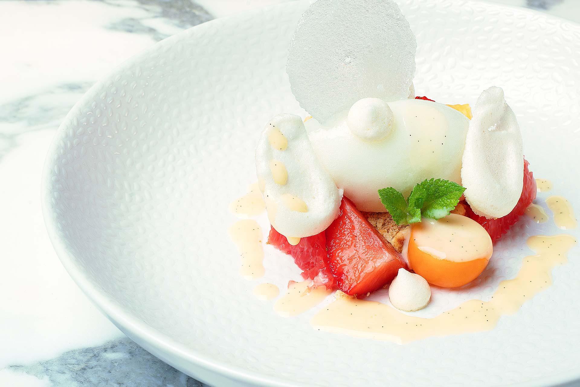 Beaux Desserts : Vacherin sorbet yuzu, pamplemousse